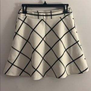Loft White /Navy Plaid Skirt 0P